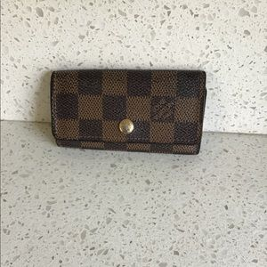 AUTHENTIC LOUIS VUITTON MULTICLES 4 KEY HOLDER